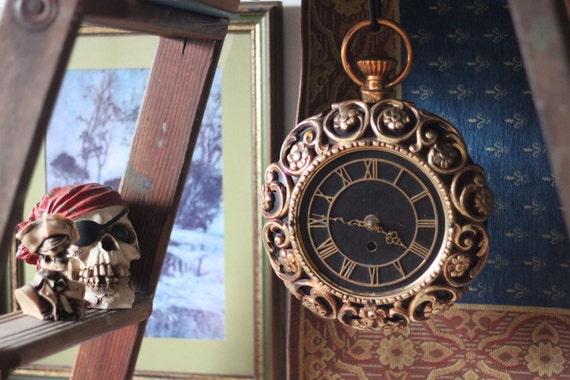 Vintage Ornate Black and Gold Clock