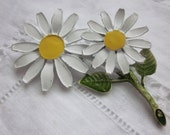 Vintage Daisy Brooch, Two daisies with a green leaf retro pin.
