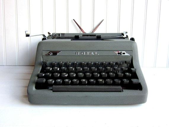 SALE Vintage Typewriter Royal Quiet DeLuxe Manual Gray Typewriter