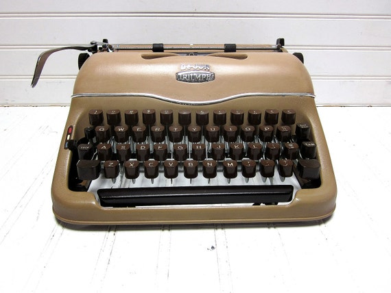 RESERVED for Cori Schumacher -- Vintage Typewriter Triumph Dejur Perfekt Kwik Riter Khaki Brown Manual Typewriter