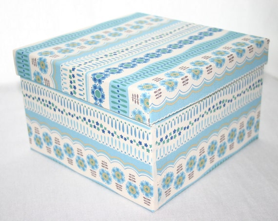 Medium square decorative box Japanese fabric