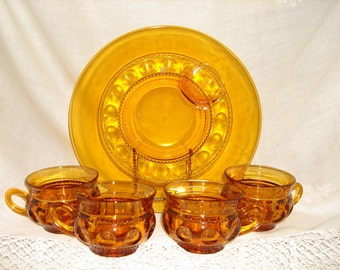 AMBER Glass Vintage THUMB PRINT Pattern      2 Snack Plates 4 Cups     Perfect for Autumn