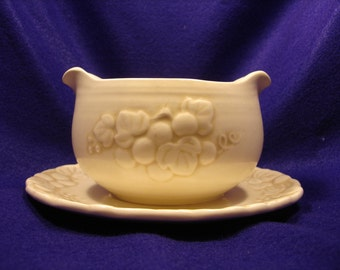 METLOX POPPYTRAIL Sculptured Grape Pattern Gravy Boat with Attached Under Plate  California Pottery