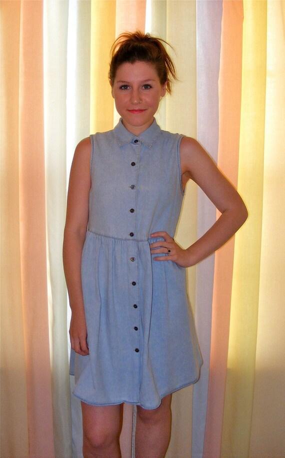 Collared Button Up Denim Dress Size Medium