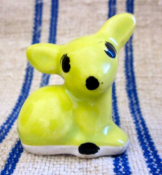 such a great color-teeny tiny and  kitschy ceramic  head-1950's