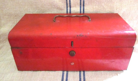 Vintage - 1950's - Cute Small  Red tool Box -Valentine Red