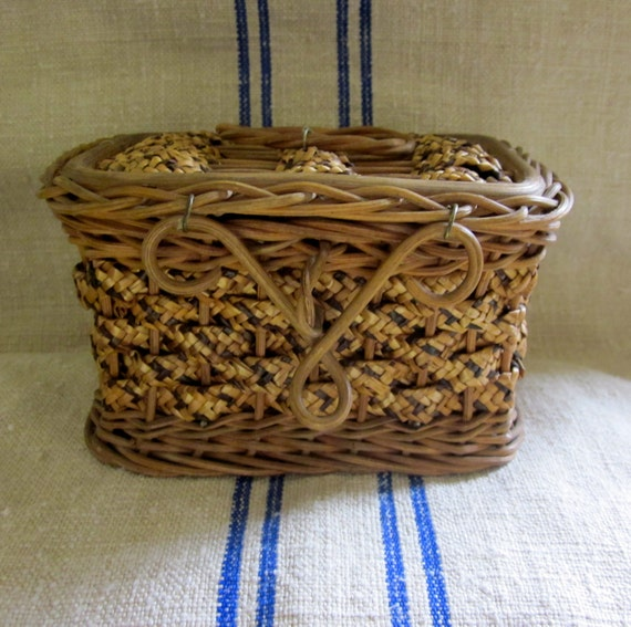 diminutive early 20th century wicker  sewing basket with cute handle unused condition
