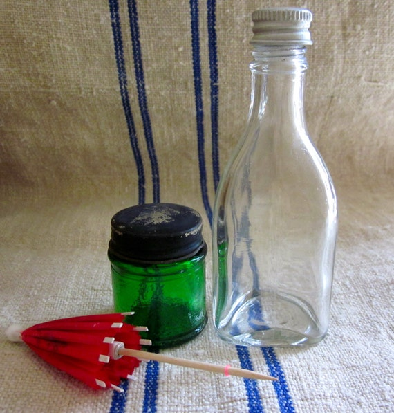 a cute pair-tiny green glass jar and triangle shape tiny bottle  1950's