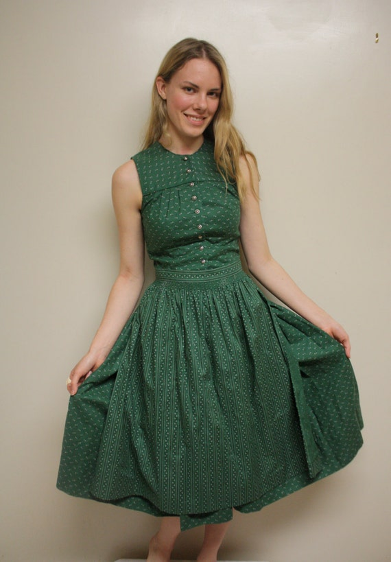 Vintage 50s Dress/ Full Skirt/ Extra Small/ Emerald Green/ Floral Print/ Apron
