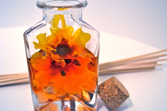 Reed Diffuser, Triangle Glass Bottle with Cork, Honeysuckle Fragrance