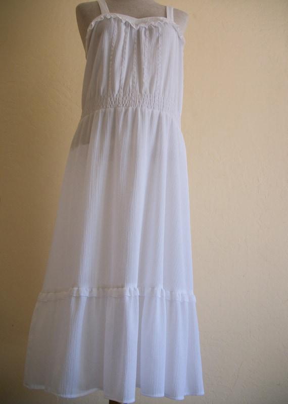 Easy breezy white maxi dress, by Elinette designs of Denmark, size 40, US 10-12.