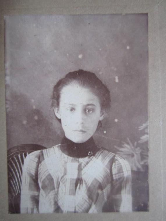 Ghostly Teenage Girl...Striking Victorian Vintage Photo