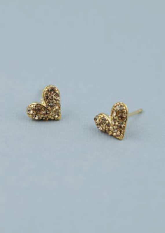 Sparkly small heart stud earring
