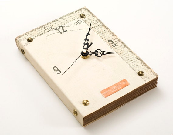 Book Wall Clock -Shakespeares Letter-