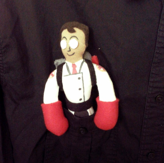 Team Fortress 2 Pocket Medic Plush Doll Cosplay Accessory