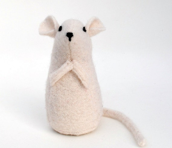 Mouse softie, white wool