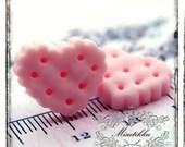 6 PCS X 20mm Heart Cookies Cabochon in Pink Resin Flat Back -Scrap booking Diy Miniature Material / Deco Food Craft Supplies (HT05P)