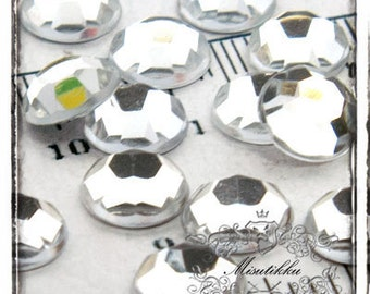 Set of 100 PCS X 8mm Clear White Round BLING Rhinestone Resin 14 Faceted Gems Flat Back -Nail Art / Jewelry / Deco Decoration (GM.R8MW)
