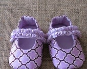 Mary Jane Baby Shoes - PDF Pattern - Newborn to 18 months.