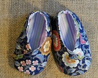 Kimono Baby Shoes - PDF Pattern - Newborn to 18 months.