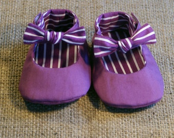 Tuxe Baby Shoes - PDF Pattern - Newborn to 18 months.