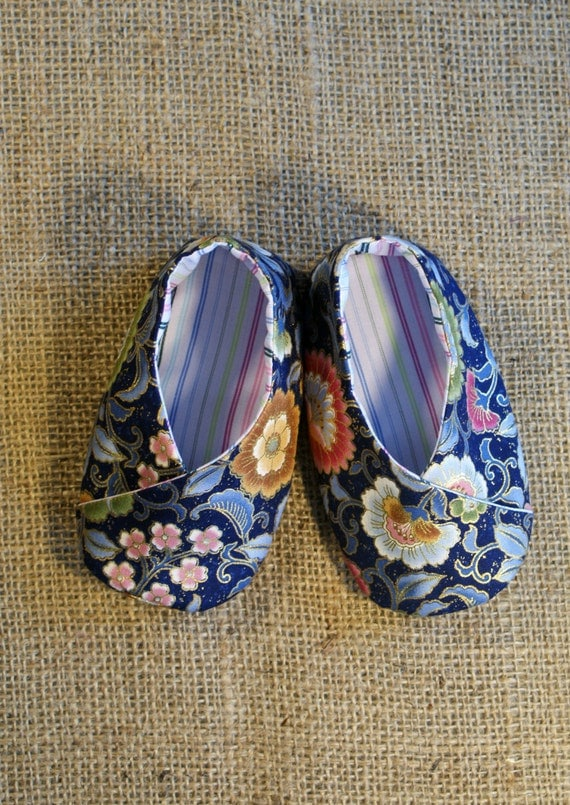 Kimono Baby Shoes - PDF Pattern - Newborn to 18 months.