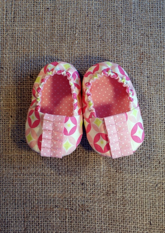 Natte Baby Shoes - PDF Pattern - Newborn to 18 months.