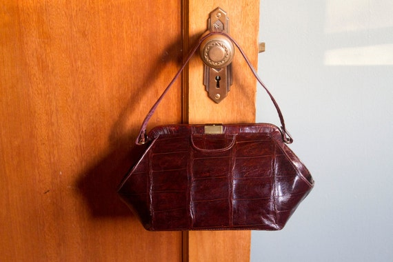 1940's Rich Brown Alligator Leather Handbag with STYLE