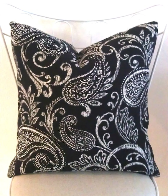 Black & White Paisley Pair 20in Pillow Covers