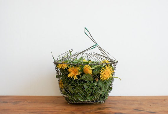 vintage wire basket, collapsible used to spin salad with teal handles