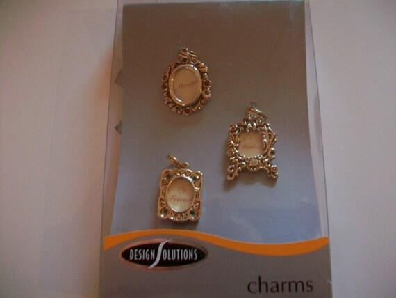Frame Vintage Charms   ( Set of 3 )