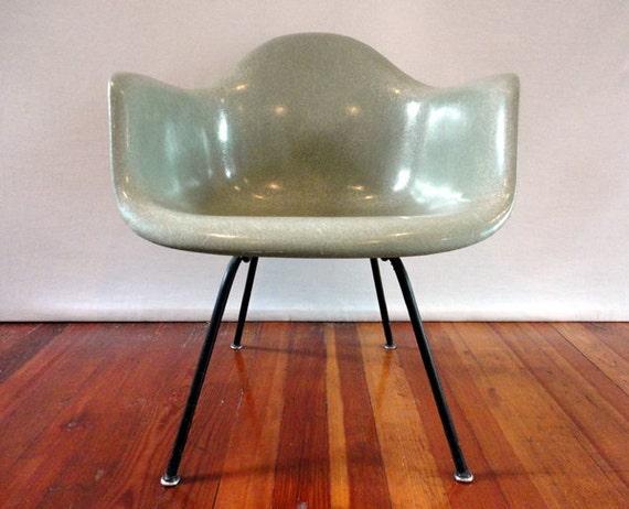 sale original vintage early seafoam herman miller fiberglass. Black Bedroom Furniture Sets. Home Design Ideas