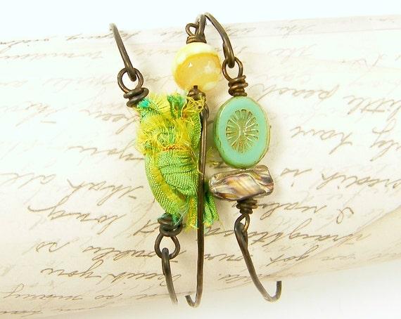Green Yellow Bangle bracelets, Layering Bracelets, Dark Brass Wire Bracelets Green Silk Bracelet Gemstone Bangle Stacked Wire Bangles  BC1-8