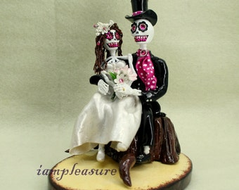In my arms love never die cake topper Skeleton bride & groom ST0003