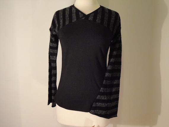 black and gray stripes knit shirt