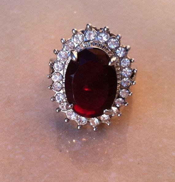 15 DOLLAR SALE Vintage  Fashion Jewelry Cubic Zirconia Lady Ring Size 10