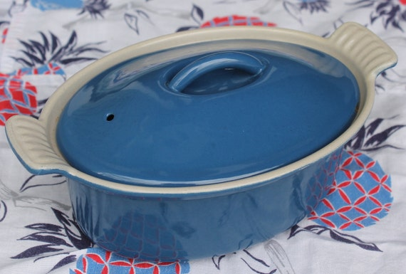 Le Creuset Small Oval Covered Baker