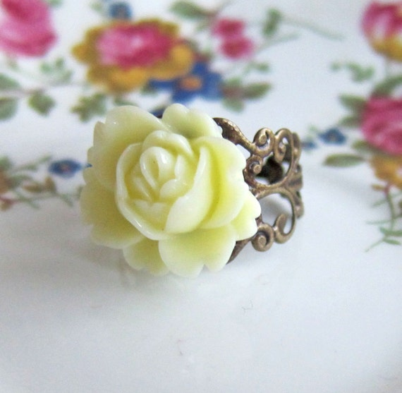 Ivory Rose Ring Cream Pale Yellow White Flower Ring Champagne Floral Ring Vintage Style Antique Filigree Ring