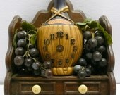 Chianti Wine 3D Wall Clock with Rubber Grapes Vintage Rustic Hanging Display Italy Italian Liquor Advertising