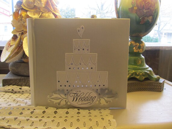 White and Silver Wedding Photo Album