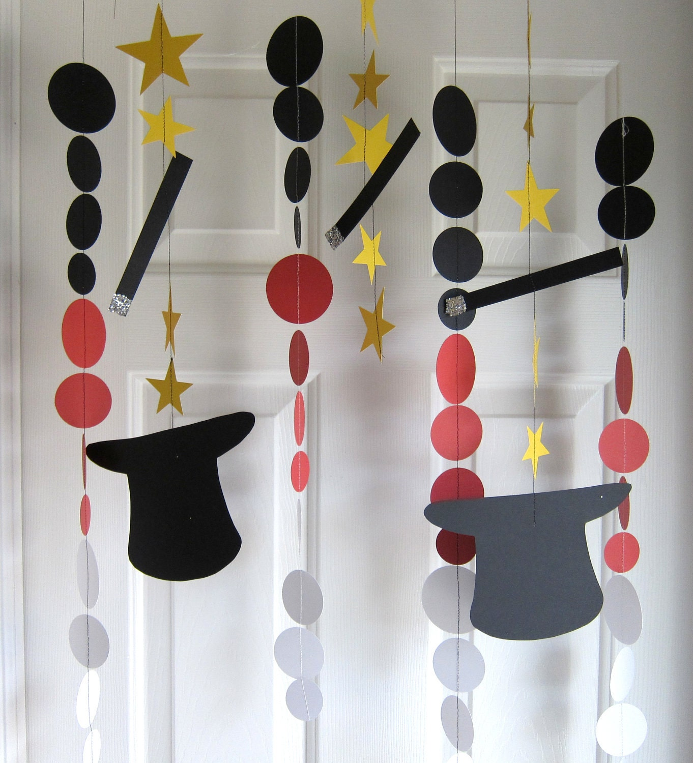 paper garland decorations magic party magic hats by. Black Bedroom Furniture Sets. Home Design Ideas