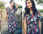 Vintage 1970s Colorful Floral Print Spring Summer Dress