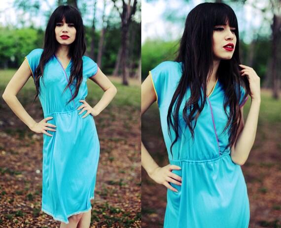 5-15 DOLLAR SALE  //// Vintage 1970s Light Blue Spring Summer Day Dress