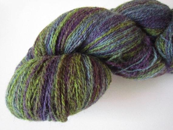 Aade long 100% wool, Estonian artistic yarn - lavanda , skein 190g. 8/2