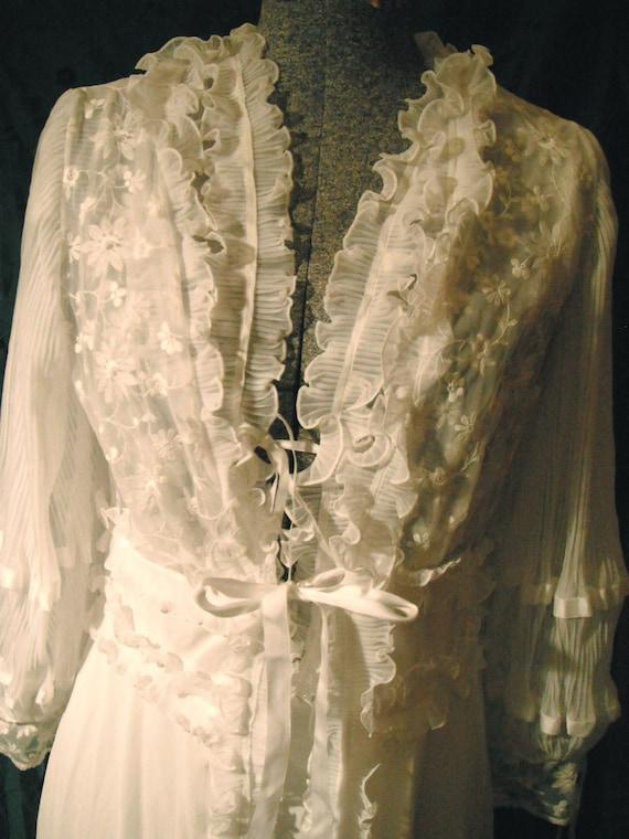 Vintage white bridal peignoir wedding night set by Biancherie D'Arte