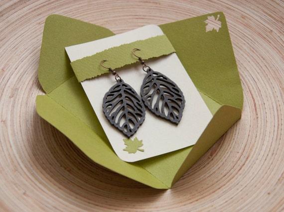Wooden leaves earrings