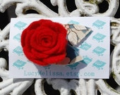 Felt rose brooch, red rouge, vintage floral fabric leaves