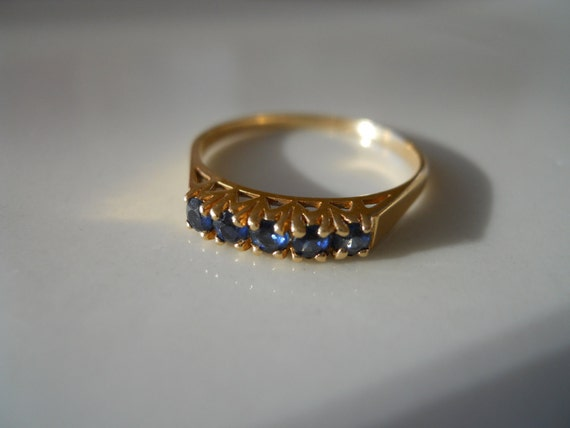 Estate 14K Gold Blue Sapphire Band