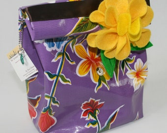 Oilcloth Purple Lunchbag, Lunch bag, Dos Chicas, Lorraine, Red Hibiscus, Eat at Desk, Brown Bag It, Office, Reuse, Magnet Closure