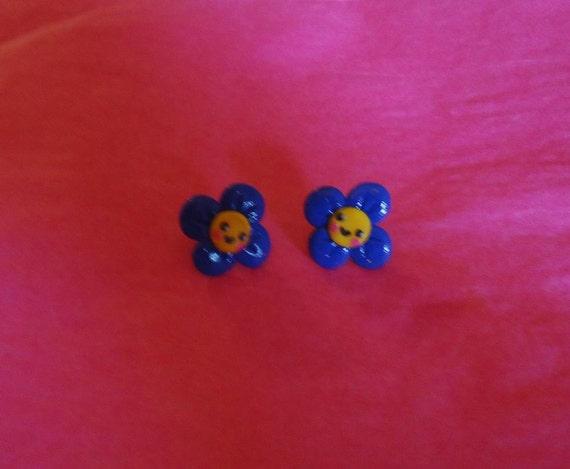 Blue Kawaii flower earrings